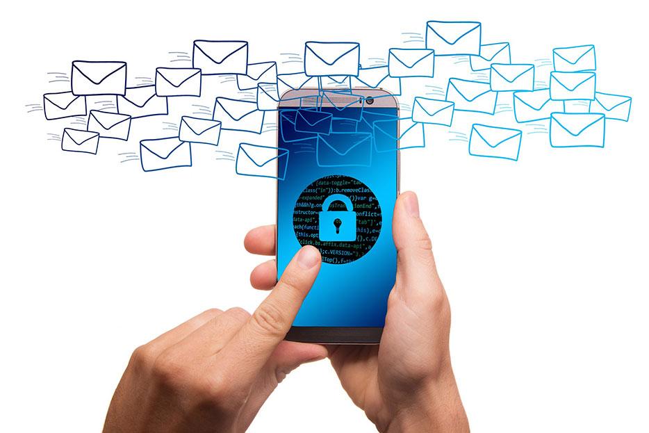 E-Mail-Dienste sind zur Bereithaltung und Herausgabe von IP-Adressen verpflichtet
